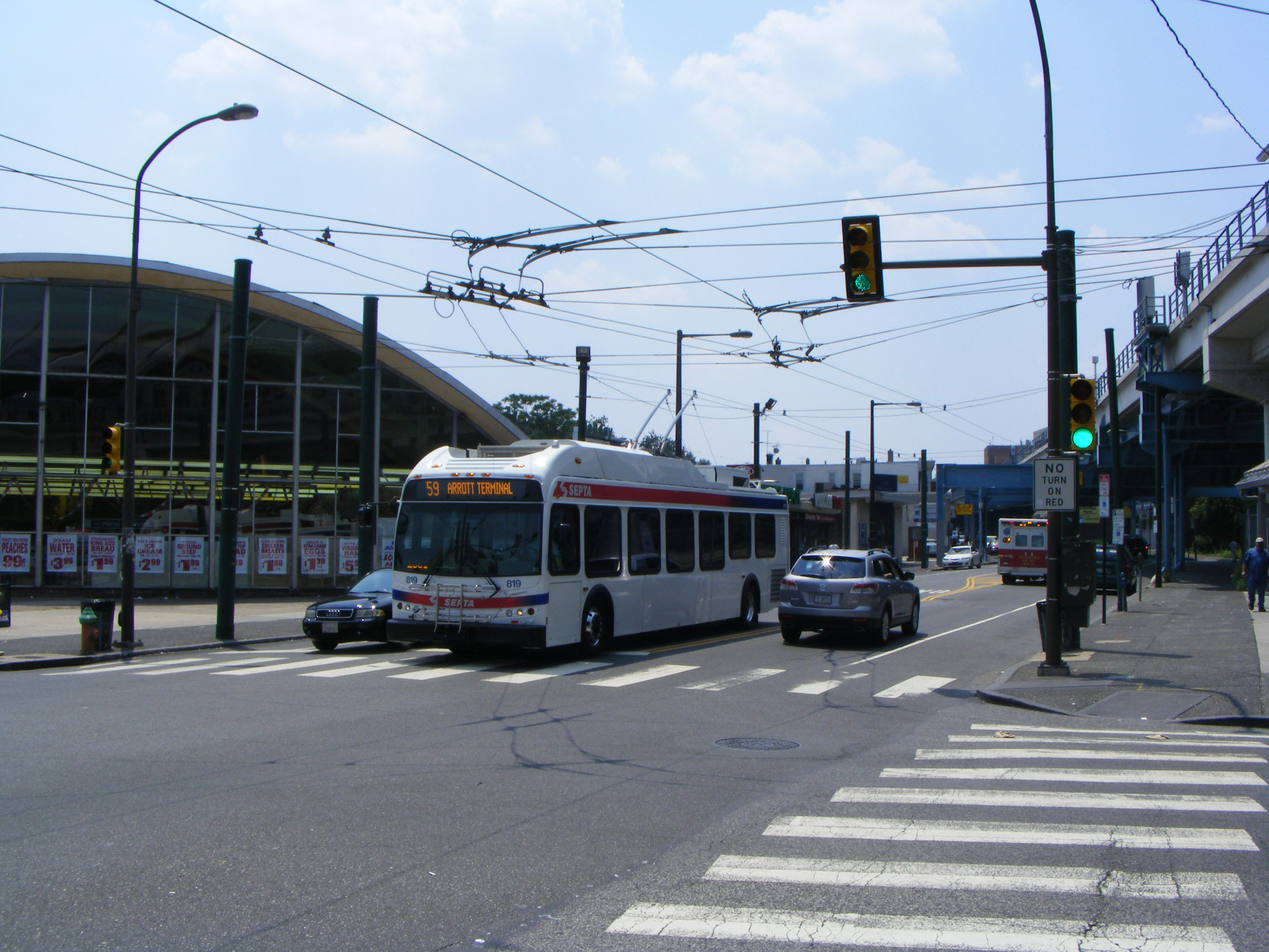 SEPTA New Flyer trolleybus