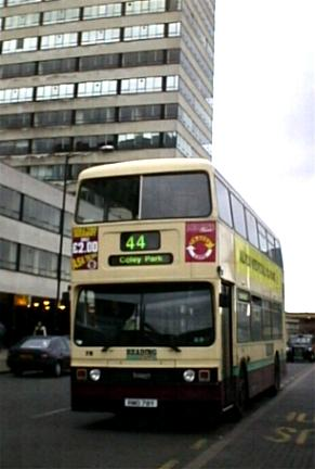 Reading Buses Titan RMO79Y